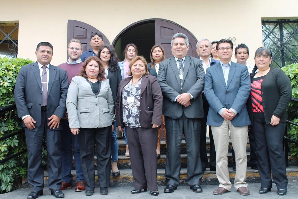 Profesionales de la salud en el marco del Convenio MINSA y Vital Strategies se capacitan en el manejo de equipo XRF para la detección de plomo